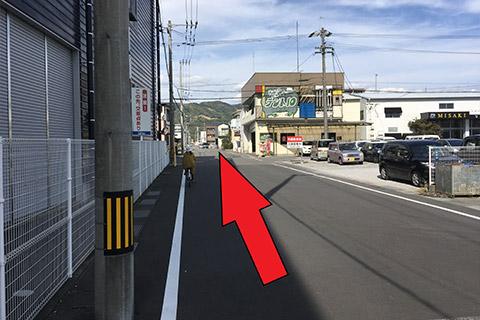 西方面から(高知駅北口から)6